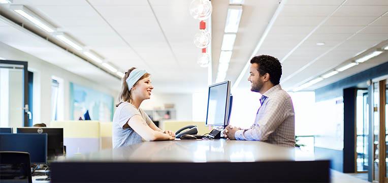 Vil du vide, hvordan du får glade servicedesk-medarbejdere? Bliv klogere her.